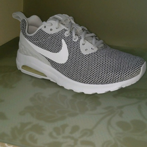 Women's Grey Nike Air Max Motion LW SE NWT